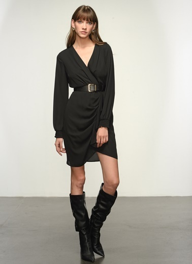 NGSTYLE NGSTYLE Kruvaze Yaka Krep Mini Boy Kadın Elbise Siyah